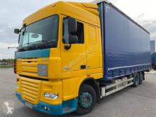 DAF tautliner truck XF105 105.460