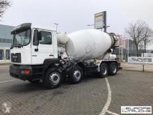 Ciężarówka betonomieszarka MAN 32.364