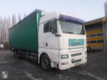 Camião MAN 26.320 cortinas deslizantes (plcd) acidentado