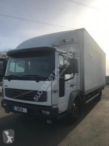 Camion Volvo FL 220 fourgon occasion