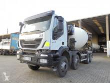 Iveco concrete mixer truck Trakker