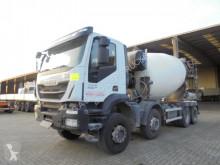 Camion Iveco Trakker béton toupie / Malaxeur occasion
