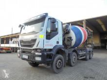 Camion Iveco Trakker calcestruzzo rotore / Mescolatore usato