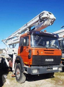 Camión Iveco hormigón bomba de hormigón usado
