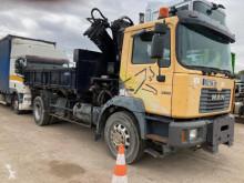 Camión MAN 19.314 volquete trilateral usado