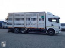 Camião Scania L 124L 420 transporte de animais usado