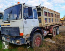 Camion ribaltabile trilaterale Iveco 330.35