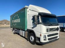 Volvo tautliner truck FM 300