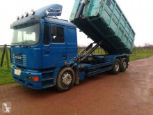 Camion polybenne MAN FE 460