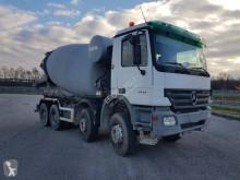 Teherautó Mercedes Actros 4144 használt betonkeverő beton