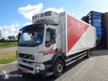 Volvo refrigerated truck FL260 / EURO 5 / Manual / 8.20 Mtr Box