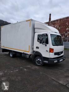 Camión Nissan Atleon 35.15 furgón mudanza usado