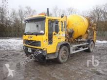 Vrachtwagen beton molen / Mixer Volvo FL6