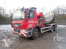 Camion béton toupie / Malaxeur DAF CF75.360