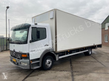 Camion fourgon Mercedes Atego 823