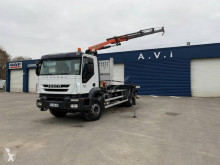 Camion plateau standard Iveco Trakker AD 190 T 31