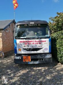 Vrachtwagen Renault Midlum 180 tweedehands tank koolwaterstoffen