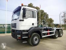 Kamión hákový nosič kontajnerov MAN