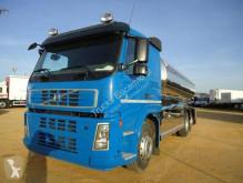 Volvo tartálykocsi teherautó