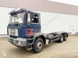 MAN T40 26.364/414 6x4, 6-Zylinder T40 26.364/414 6x4, 6-Zylinder truck used chassis