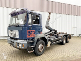 MAN T40 26.364/414 6x4, 6-Zylinder T40 26.364/414 6x4, 6-Zylinder truck used hook arm system