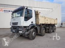 Vrachtwagen kipper Iveco Trakker