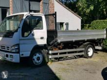 Camión Isuzu NQR 75 volquete volquete trilateral usado