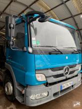 Camion polybenne Mercedes Atego 1218
