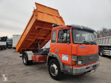Vrachtwagen kipper Iveco 135.17