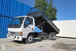 Camión Isuzu NQR volquete volquete trilateral usado
