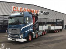Lastbil med släp platta Volvo FH16