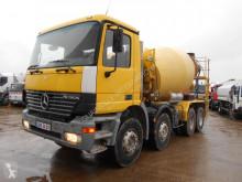 Camion béton toupie / Malaxeur Mercedes Actros 3235