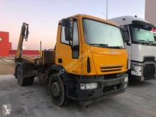 Kamión vozidlo s hákovým nosičom kontajnerov Iveco Eurocargo ML 180 E 28 K - BEA