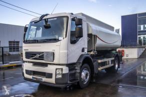 Lastbil tank råolja Volvo FE