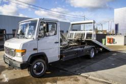 Mercedes autómentés teherautó 814