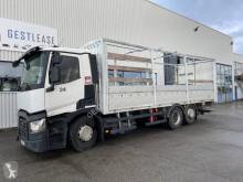 Camion Renault T-Series savoyarde accidenté