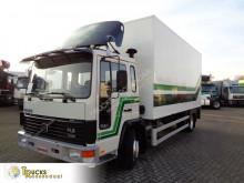Camion furgonetă transport cai Volvo FL 611
