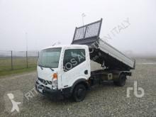 Camion benne Nissan Cabstar