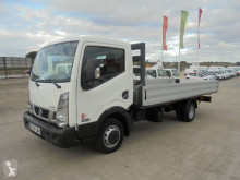 Camion Nissan NT 400 plateau standard occasion