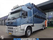 Camion bétaillère bovins Volvo FM 410