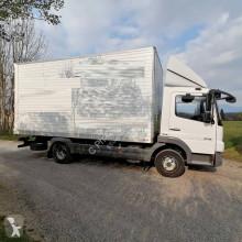 Mercedes költöztetés furgon teherautó Atego 918 N