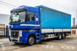 Camión furgón transporte de bebidas Renault Magnum 460