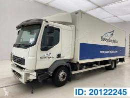 Camion Volvo FL 240 furgone incidentato