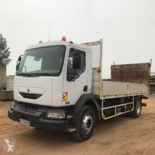 Renault heavy equipment transport truck 220 DCI