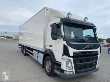 Volvo polcozható furgon teherautó FM 330