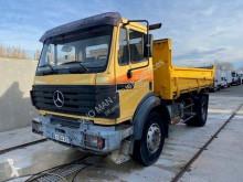 Camión volquete bilateral Mercedes 2024