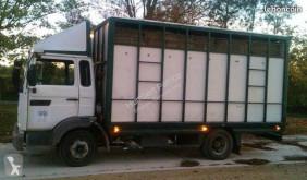 Camión remolque ganadero para ganado bovino Renault Midliner 160