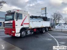 Vrachtwagen DAF XF95 tweedehands platte bak