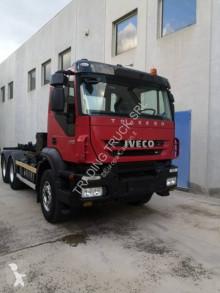 Camion polybenne Iveco Trakker 380T41