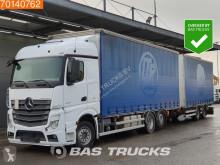 Lastbil med släp skjutbara ridåer (flexibla skjutbara sidoväggar) Mercedes Actros 2545
